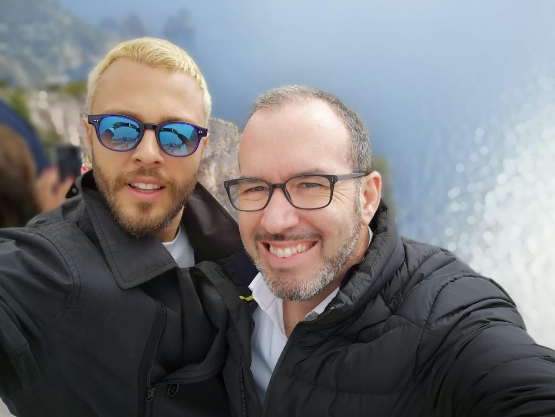 Le note di Capri nel nuovo singolo della popstar Son Pascal in collaborazione con il violinista caprese Amedeo Bagnasco