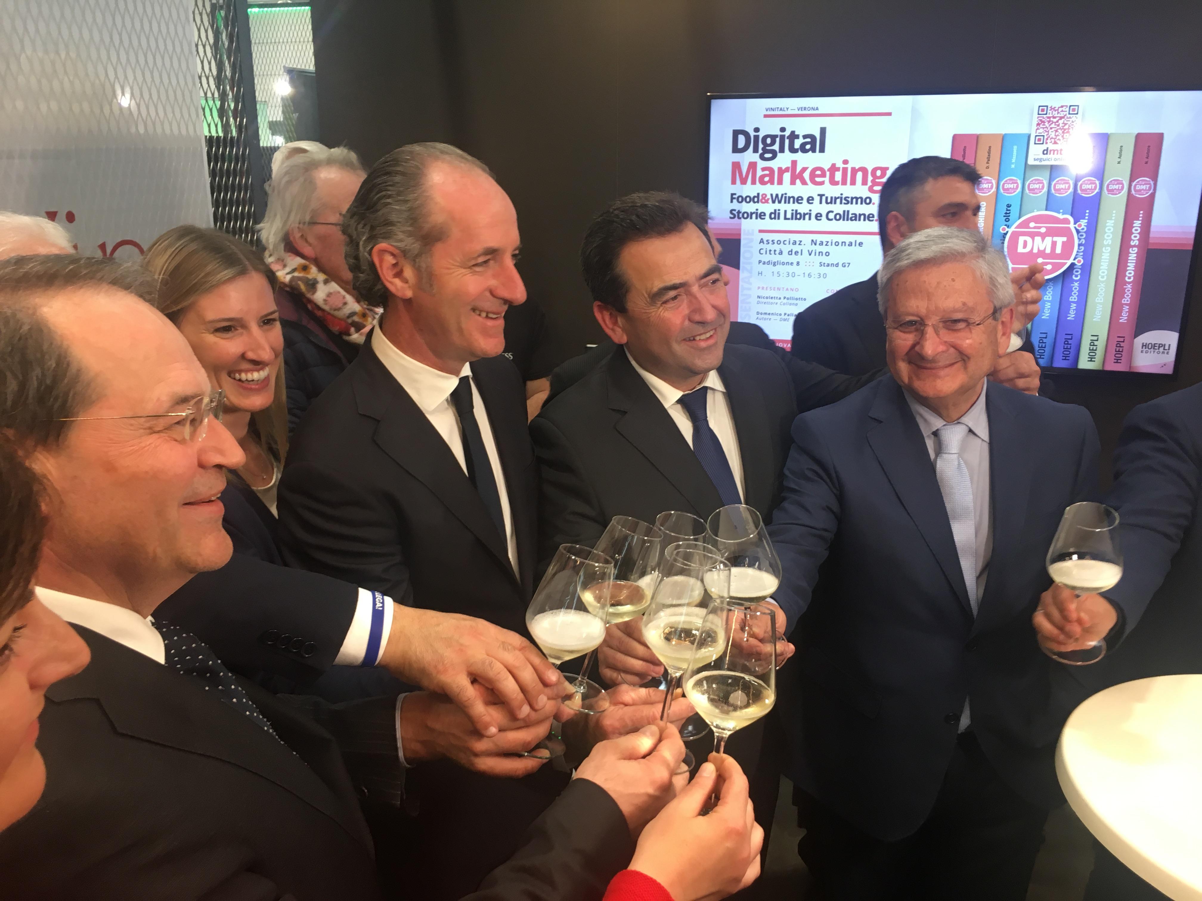 """Vinitaly, il Ministro Di Maio ed i governatori Zaia e De Luca brindano a Sannio Falanghina """"Città europea del Vino 2019"""""""