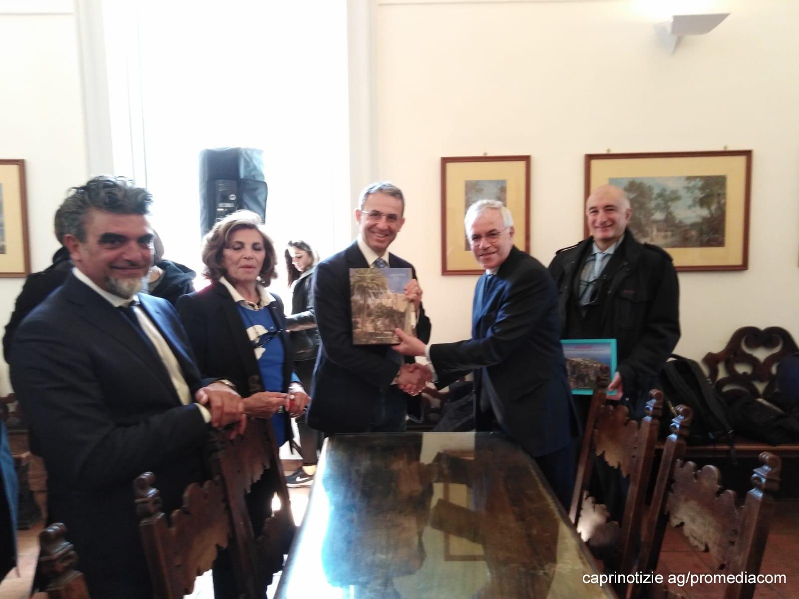 """Capri. Il Ministro Ambiente Costa: Al via area marina protetta per Capri, ringrazio Sindaci per impegno """"Plastic Free"""" (FOTO E VIDEO)"""