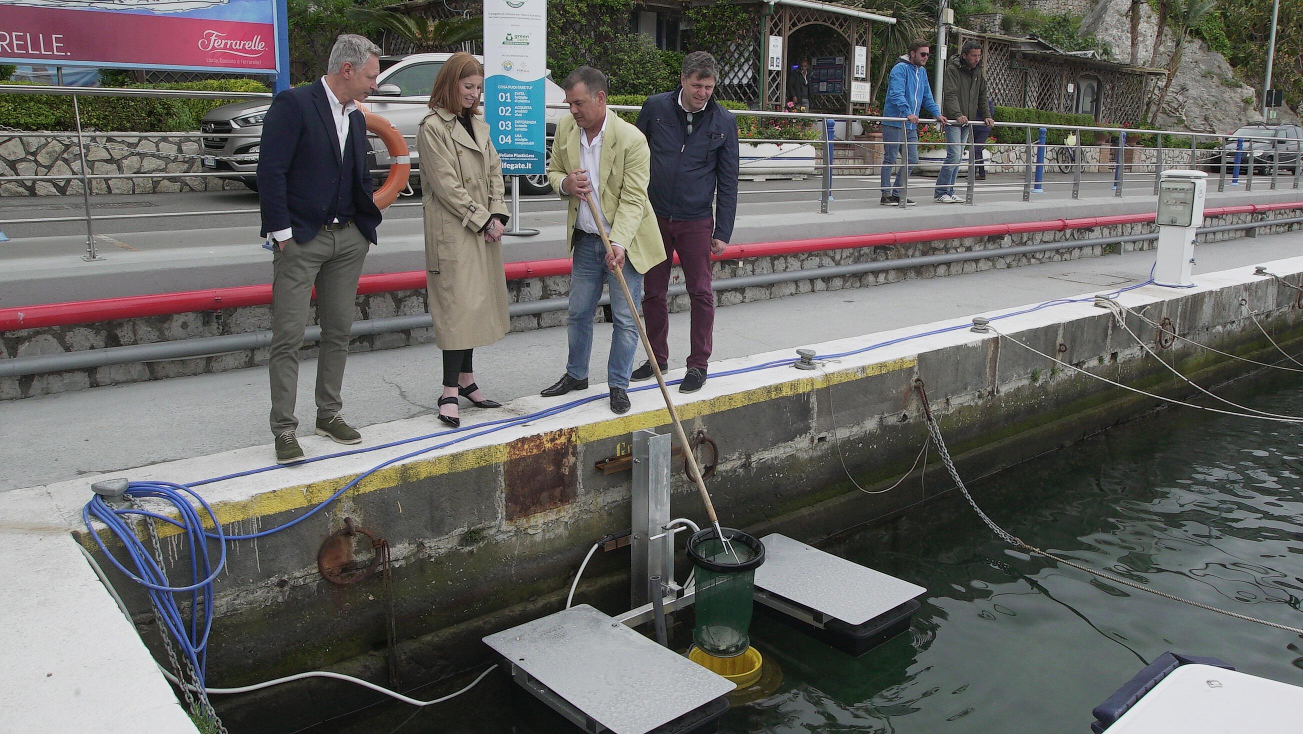 Capri aderisce alla sfida per ridurre le plastiche nei mari italiani con l'installazione del sistema LifeGate PlasticLess®:
