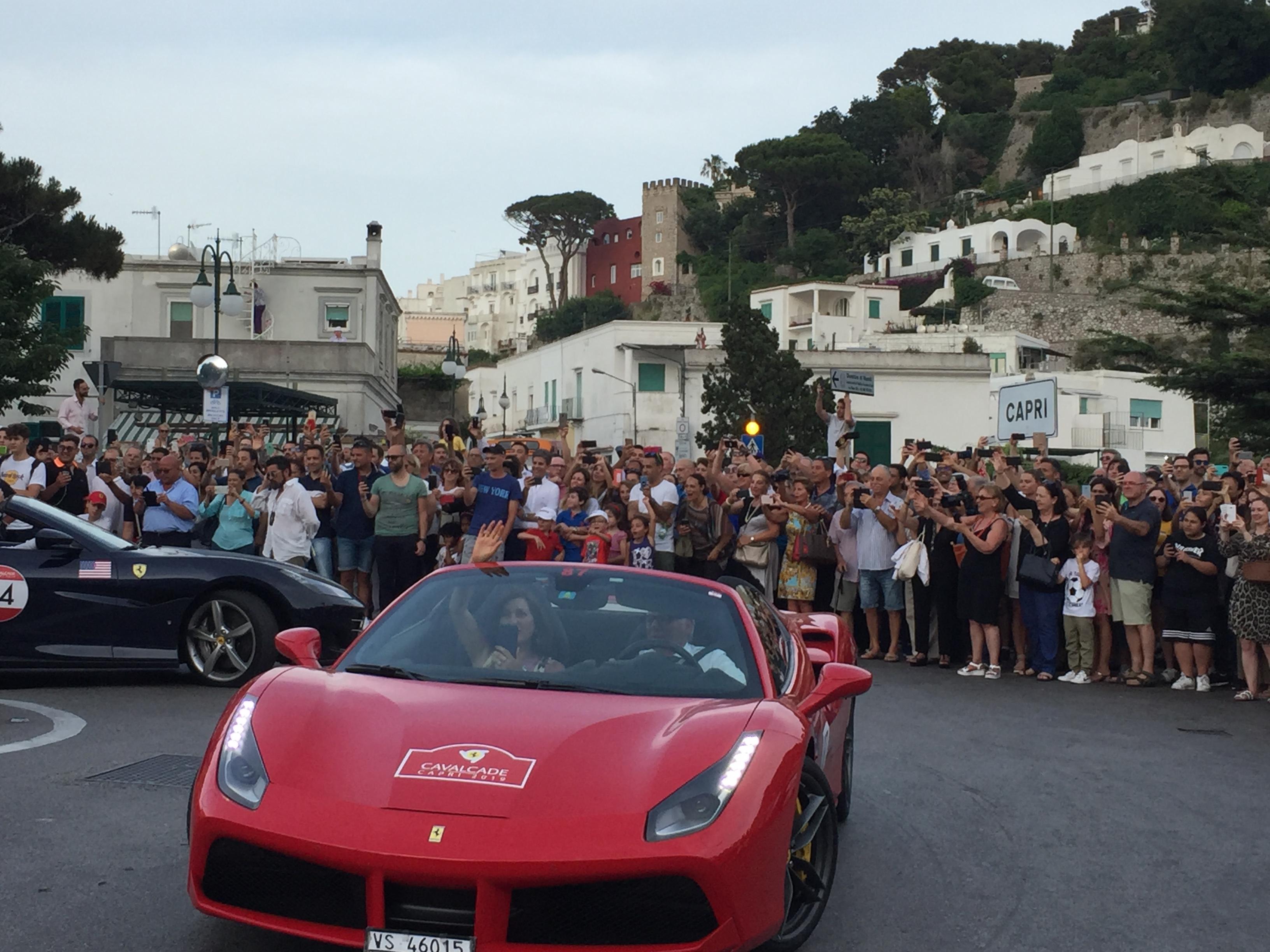 Capri. Le Immagini più belle delle Ferrari Cavalcade 2019