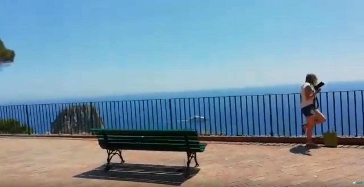 Capri. Lo spettacolo del Belvedere di Punta Tragara di primo mattino (VIDEO)