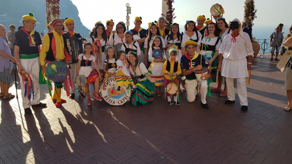 """Capri. Domenica 21 Luglio Esibizione del Gruppo folkloristico """" La Bella Capri"""" nella famosa piazzetta"""
