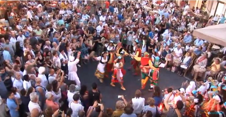 """Folklore a Capri. Il video dell' esibizione del gruppo """"La Bella Capri"""" dello scorso Luglio  (VIDEO)"""