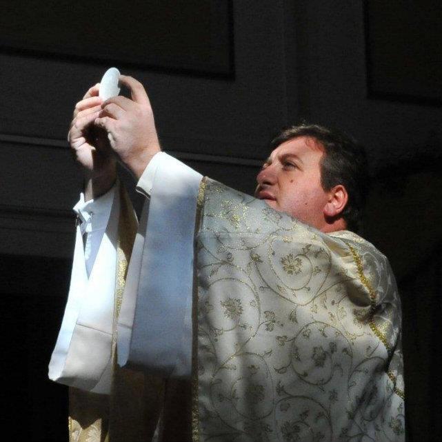 Don Marino de Rosa sarà il nuovo Parroco della Parrocchia di Santa Sofia ad Anacapri, l'annuncio con le Campane a Festa