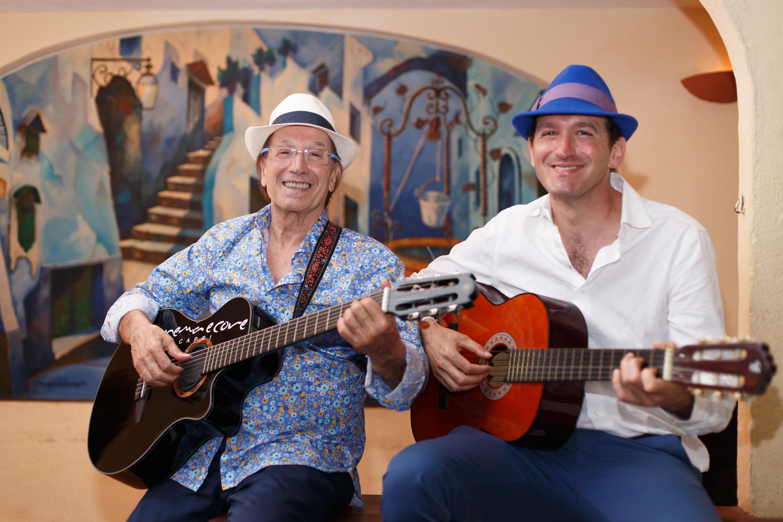 Capodanno a Capri. Guido e Gianluigi Lembo insieme sul palco della Piazzetta di Capri per augurare buon 2020