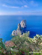 Capri. L'alba di un nuovo giorno, lo spettacolo della natura all'ombra dei Faraglioni (Video)