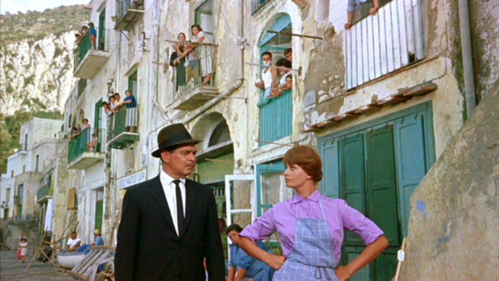 """Capri nelle canzoni: Sofia Loren che canta """"Che me imparat' a ffa'"""""""