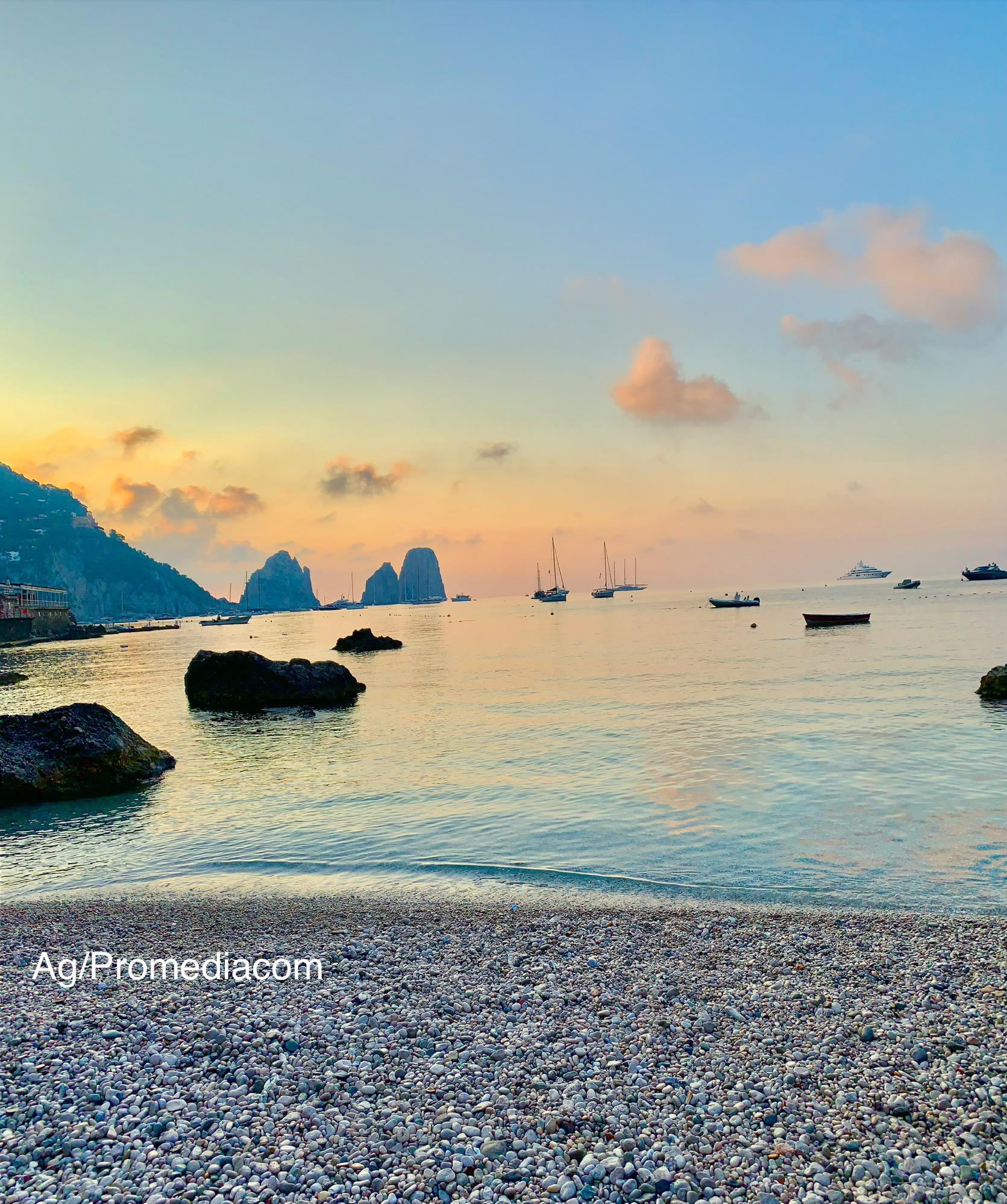 Capri. L'alba di Ferragosto come in un Quadro -VIDEO