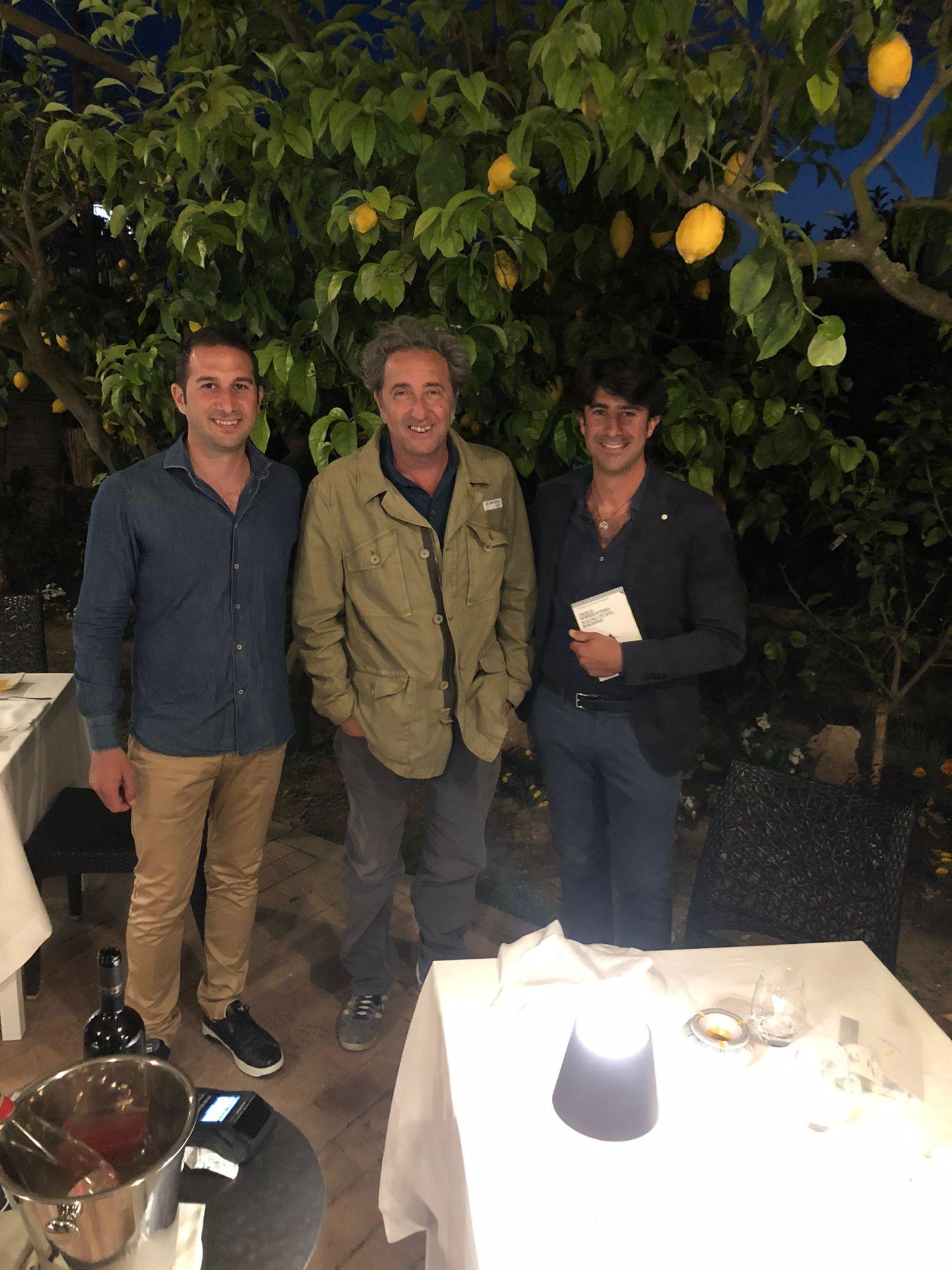 """Vip a Capri: Paolo Sorrentino cena a La Zagara """"Incantato dall'accoglienza e dallo spirito autentico di Anacapri"""""""
